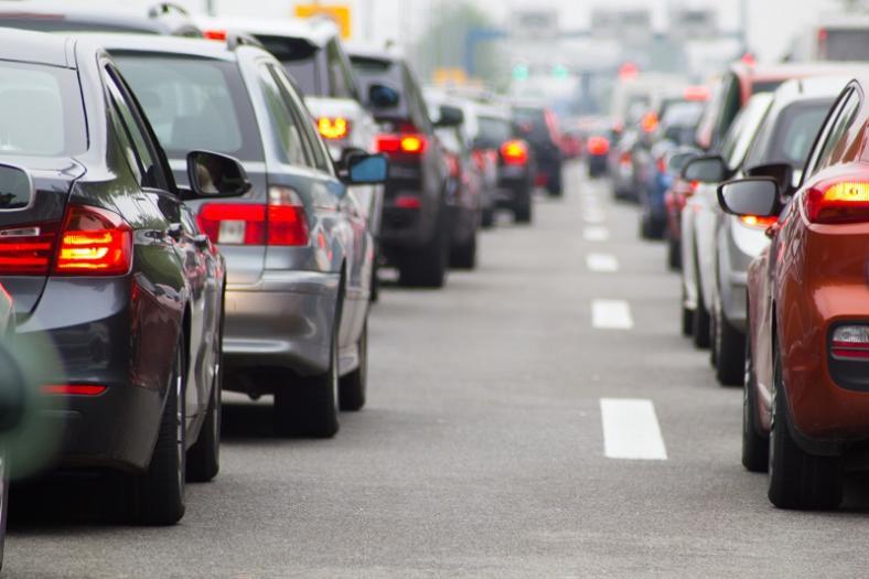 Ubezpieczenia w dobie epidemii i wypadków na drogach