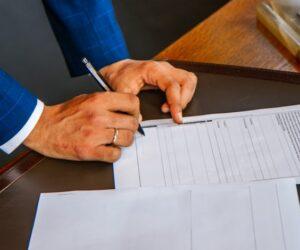 Ubezpieczenie pomostowe przy kredycie hipotecznym – kiedy na nie uważać?